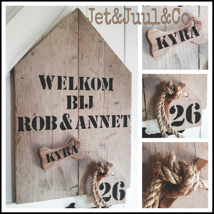 ➕  W E L K O M   B I J ...➕  Welkomstbord met een speciaal hondenbo(r)d/tje voor Kyra! Gemaakt door Jet&Juul&Co #welkomstbord #steigerhout #hondenbotmetnaam #hondenbord #welkombij