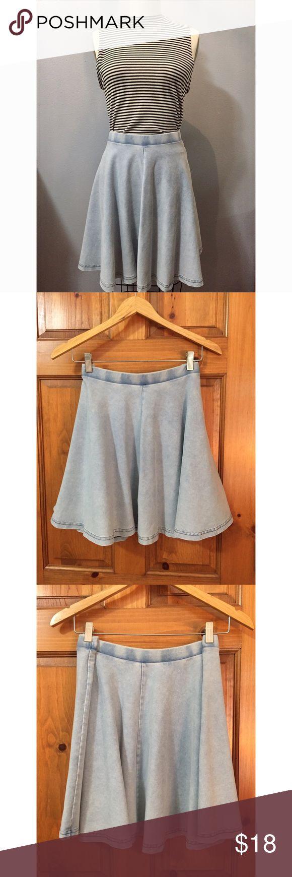 Topshop denim skater skirt Cute denim skirt from topshop barely worn, amazing condition Topshop Skirts Circle & Skater