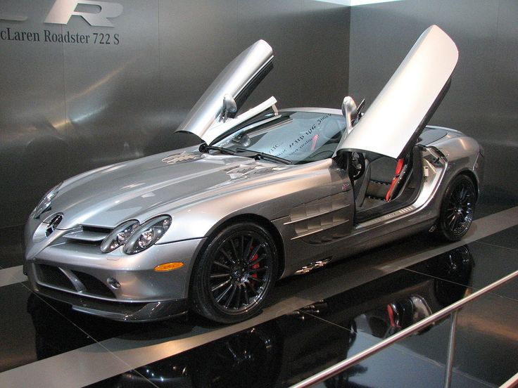 Mercedes-Benz SLR McLaren 722 Roadster at Toronto Auto Show (2001)