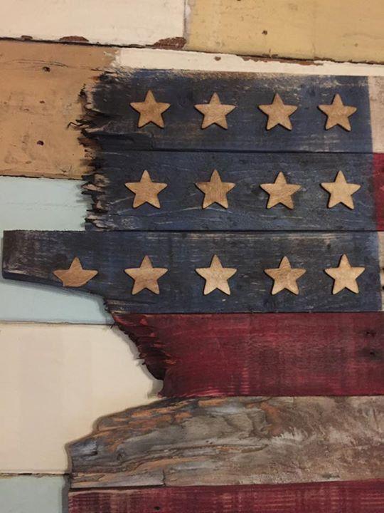 Drapeau de palettes récupérées américain rustique par PalletArtUK