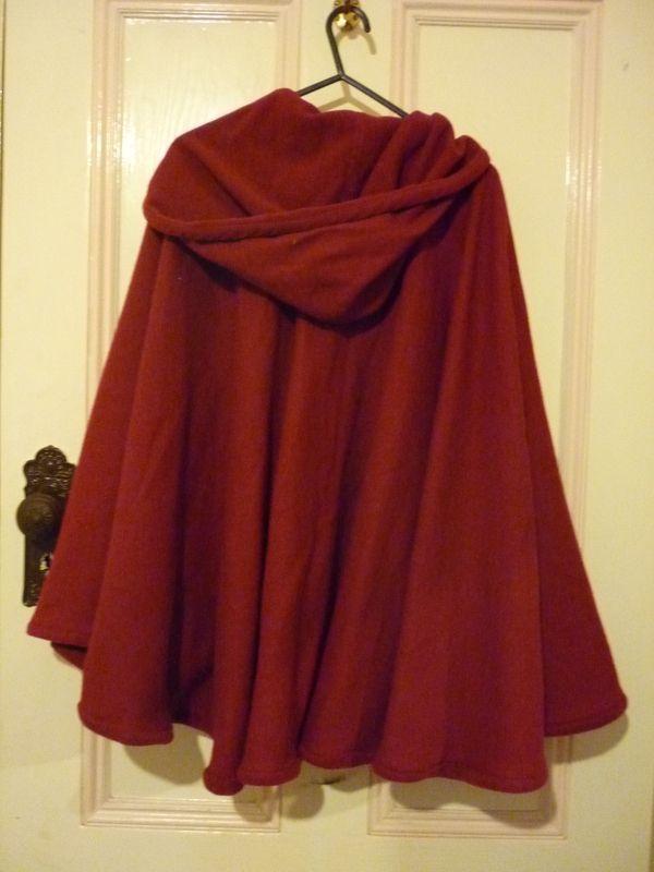 Capa roja con manta polar con cierrre