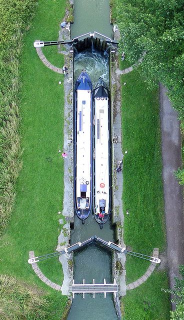 Caen Hill Locks, Wiltshire, England by KAPturer, via Flickr