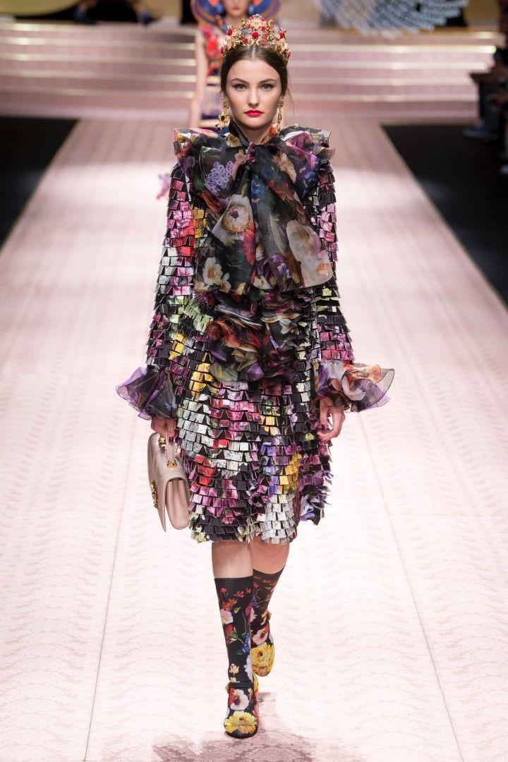 a6d78e129dd0a Dolce   Gabbana Spring Summer 2019 Ready-to-Wear Collection ...