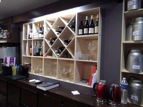 17 meilleures id es propos de casiers bouteilles de vin en bois sur pinte. Black Bedroom Furniture Sets. Home Design Ideas