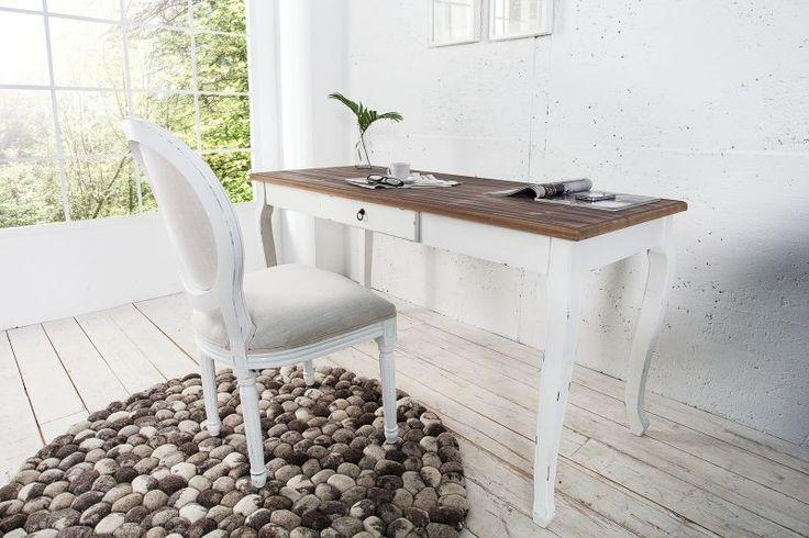 Białe biurko inspirowane stylem prowansalskim