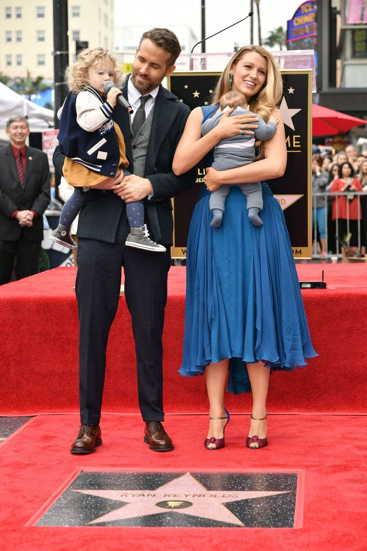 Ryan Reynolds and Blake Lively's Daughters Make Their First-Ever Public Appearance - December 15, 2016
