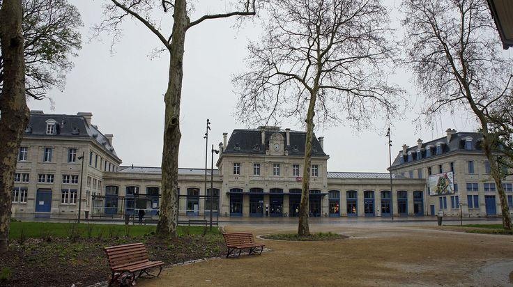 Gare Charleville 700 - Charleville-Mézières — Wikipédia