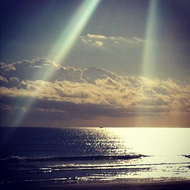 Desde la playa de la Mata, la más abierta a levante. Torrevieja