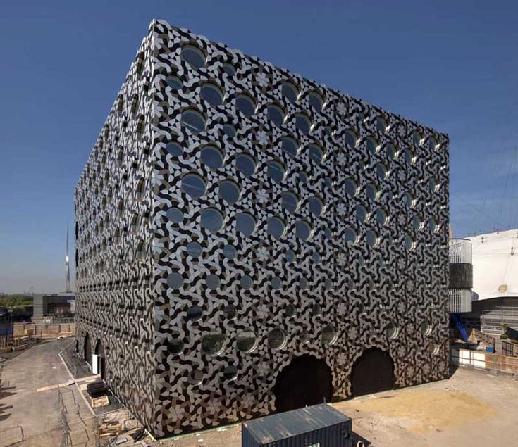 London Campus Building Clad in Anodized Aluminium Tiles