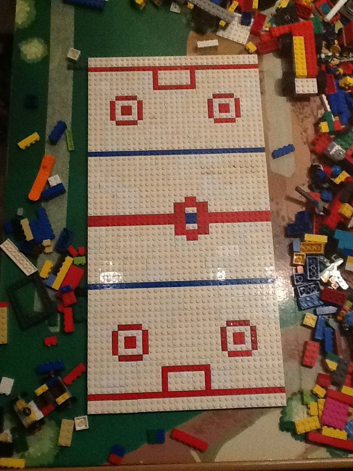 Lego hockey rink, Abby Fung and I share and love the creater of this rink because he is my little brother!!!!!!