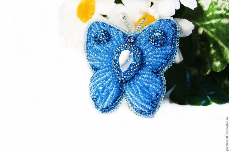 """Купить Брошь """"Весенняя гостья"""" - голубой, цвет морской волны, синий, бабочка"""
