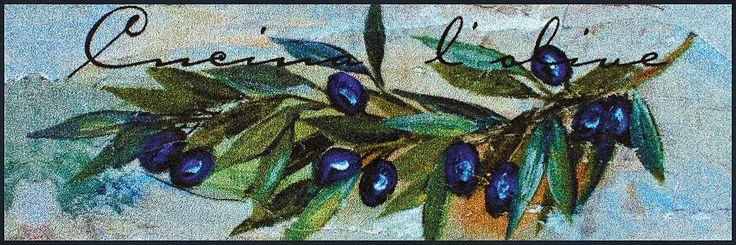 Details:  Malerisches Motiv mit Olivenzweigen, Feine blau-grün Töne mit warmen Akzentfarben, Der Hingucker in jeder Küche, Mit rutschhemmender Rückenbeschichtung,  Qualität:  1.92 kg/m² Gesamtgewicht, 7 mm Gesamthöhe, Rücken 100% Nitrilgummi, Rutschhemmende Beschichtung auf der Unterseite,  Flormaterial:  100% Polyamid,  Wissenswertes:  Waschbar bei 60° C, Trocknergeeignet bis zu 90° C oder fla...