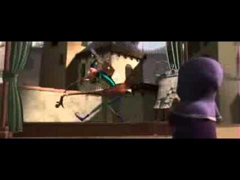 'El Hombre Orquesta' Cortometraje de Pixar completoSituada en Italia. Bass es un hombre orquesta que toca en la plaza donde ha tocado ahí varios años. Justo ese día llega Treble, un nuevo hombre orquesta que parece superarlo. Ahí entra Tippy, una niñita que quiere pedir un deseo a la fuente con una moneda. Ya que ambos necesitan una moneda, Bass y Treble empiezan a competir por la atención de Tippy,