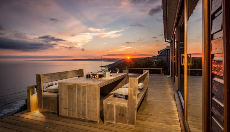 Surrender to the majesty of Whitsand Bay with a luxury self-catering beach house break at Tempest. Fall asleep to the sound of the waves and gaze out to infinite sea and sky views as you let this 'forgotten corner' of Cornwall lure you under its spell.