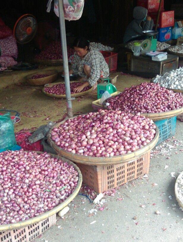 Hue Market.