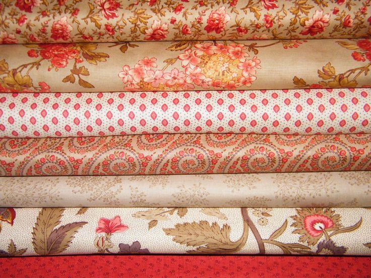"""Este conjunto de telas son de la marca Moda. De dos de sus colecciones """"Vin du jour"""" y """"Josephine"""". No hace falta que tu quilt sea muy complicado, con formas sencillas lograrás un trabajo estupendo.http://coseycanta.com/es/466-telas-moda"""