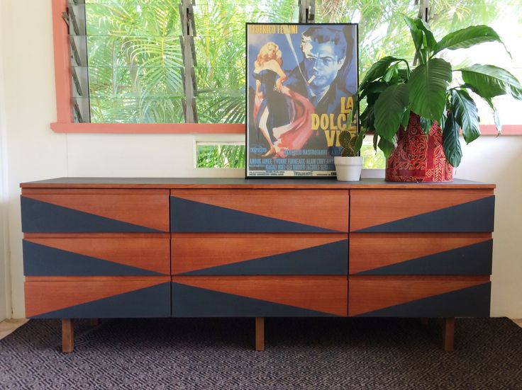 SOLD  Mid century modern sideboard with geometric design painted in Graphite Chalk Paint by Annie Sloan. @attic.furniture.qld