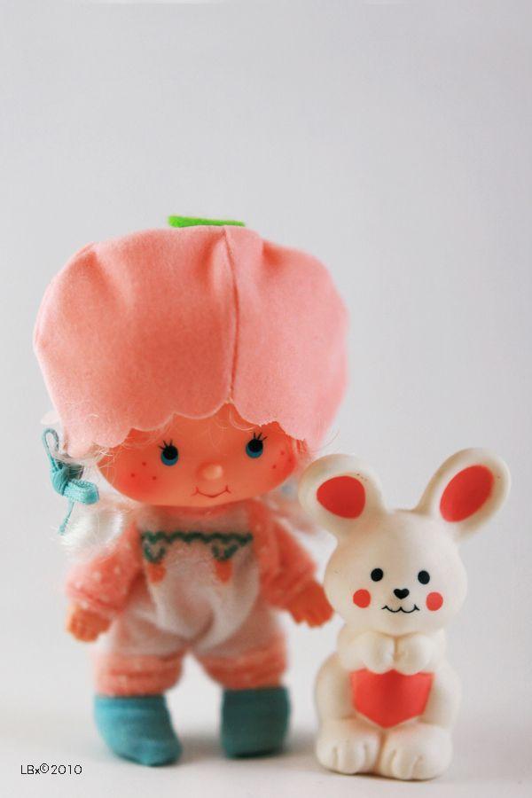 [KENNER] Strawberry Shortcake - Modèle: Apricot - Année : 1981 Série : Seconde série - accompagnée de son animal Hopsalot the Bunny