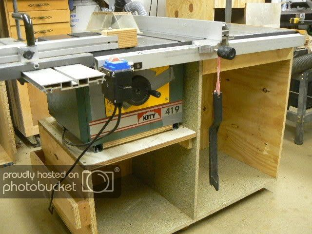 Ukworkshop Co Uk Table Saw Mods Overhead Dust Extraction Lots Of Pics Projects Ukworkshop Co Uk Projects Dust Extraction Table Saw