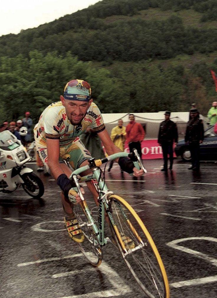 Giro d'Italia 1998. 02-06-1998, 17^Tappa. Asiago - Selva di Val Gardena. Passo Sella. Marco Pantani (1970-2004)