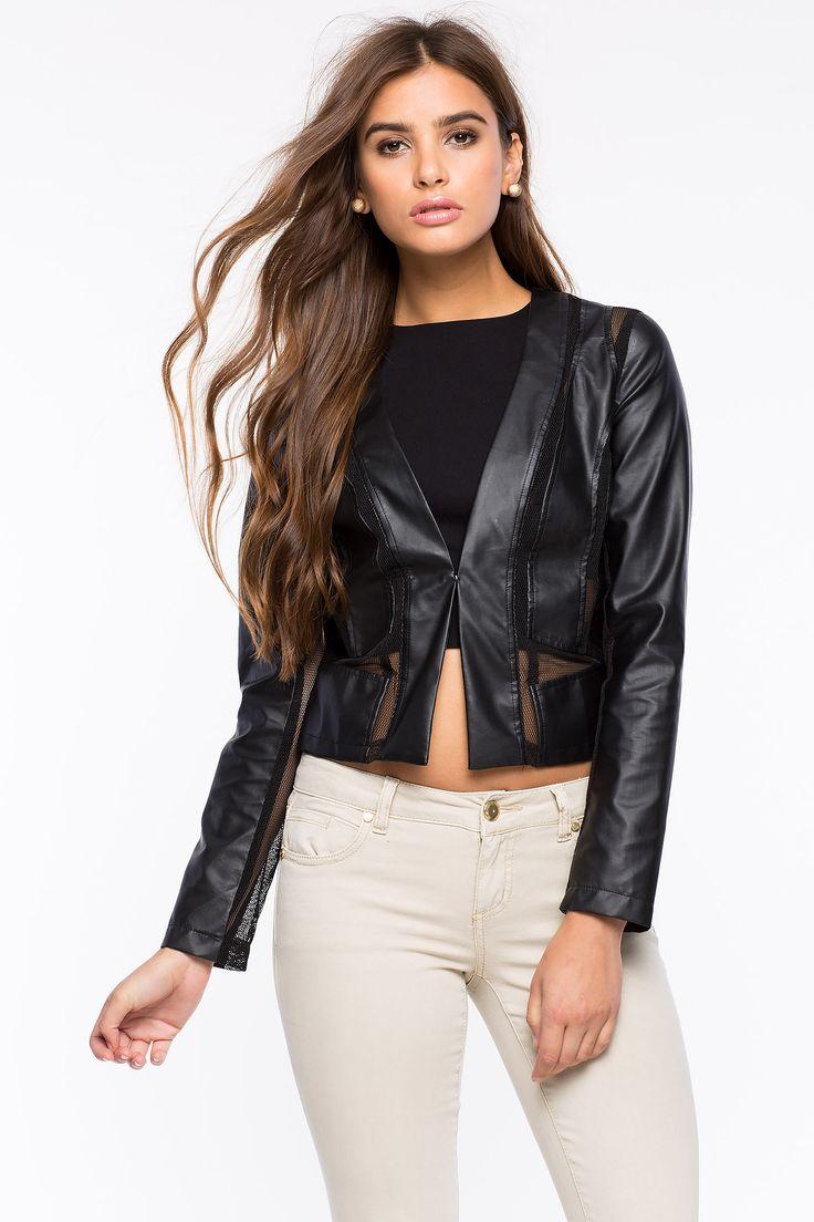 Куртка Размеры: S, M, L Цвет: черный Цена: 2373 руб.  #одежда #женщинам #куртки #коопт
