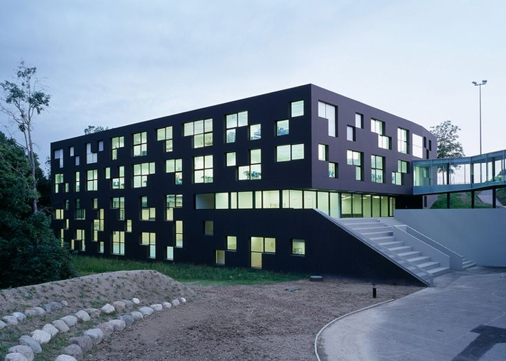 Fenestration Architecture: The Modular Fenestration Of This School Building In