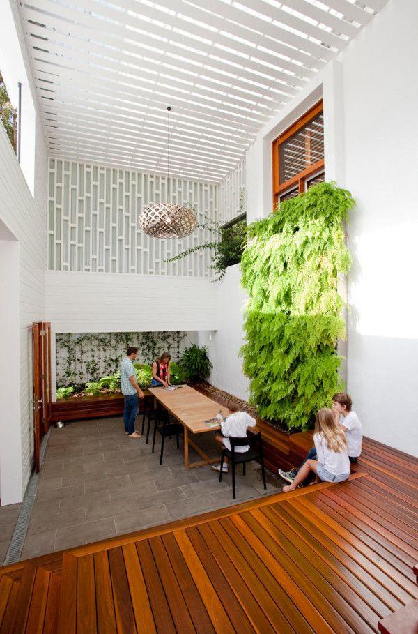 Living wall in a modern beach house courtyard! #dreamhouseoftheday
