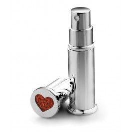 Incanta-i simturile cu un atomizator parfum Inima, cadoul perfect pentru femeile scorpion cochete care poarta mereu un parfum in poseta.