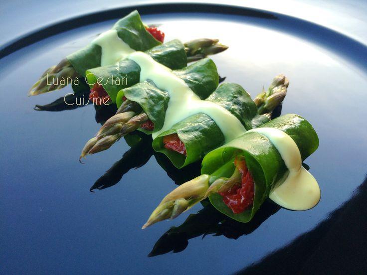 Involtini di bietola con #asparagi #pomodorini secchi e salsa allo #zafferano #cucinanaturaledautore