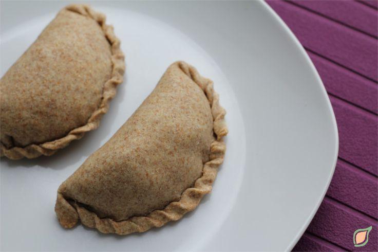 Masa para Empanadas - Horneadas, Integrales, con Aceite de Oliva. Rellénalas con lo que más te guste. La receta la encuentras en Healthy Plan Blog: http://healthy-plan.de/blog/masa-para-empanadas/ Buen Provecho!