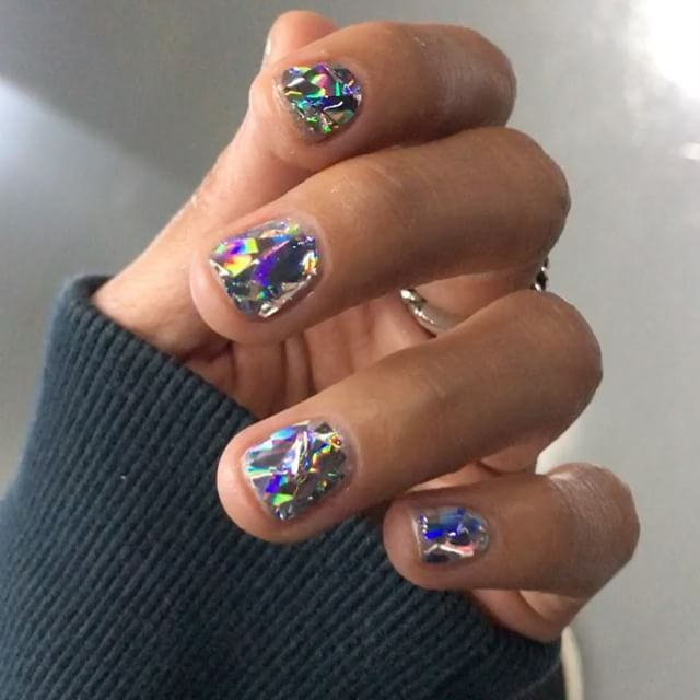 diamond nails via teen vogue