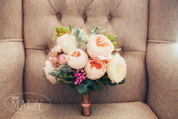 Нежный свадебный букет невесты