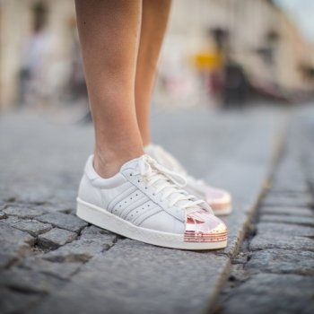 adidas superstars rose gold metal toe