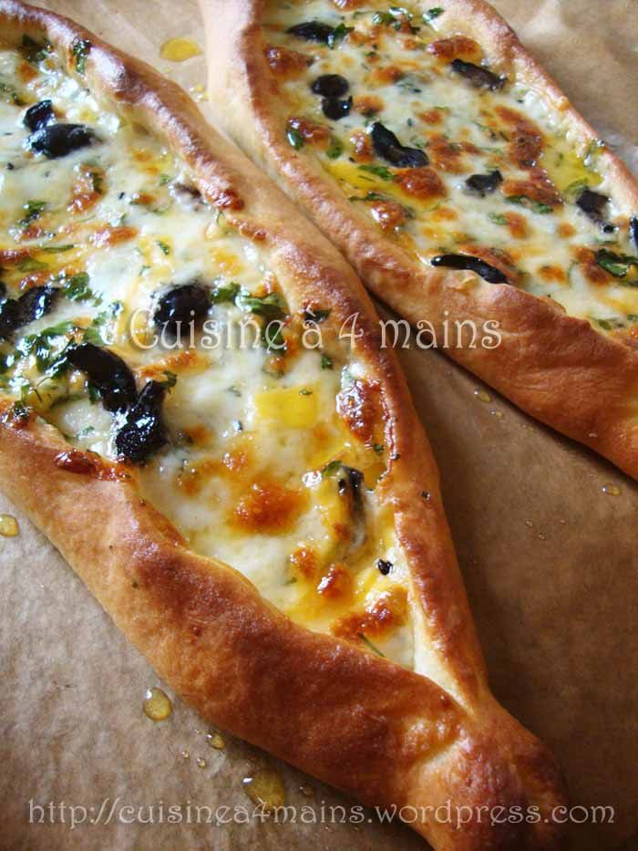 Peynirli Pide …Pizza turque aux fromages