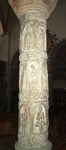 Kolumna cnót ze Strzelna Kościół Świętej Trójcy i Najświętszej Marii Panny