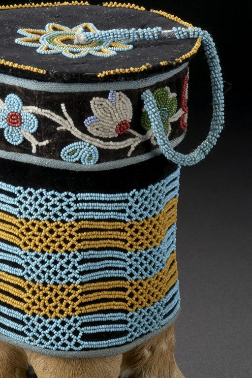 Metis beadword The Glenbow Museum > Collections Search Results