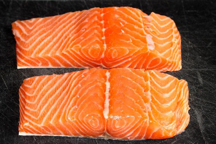 Come preparare il salmone in crosta di sesamo