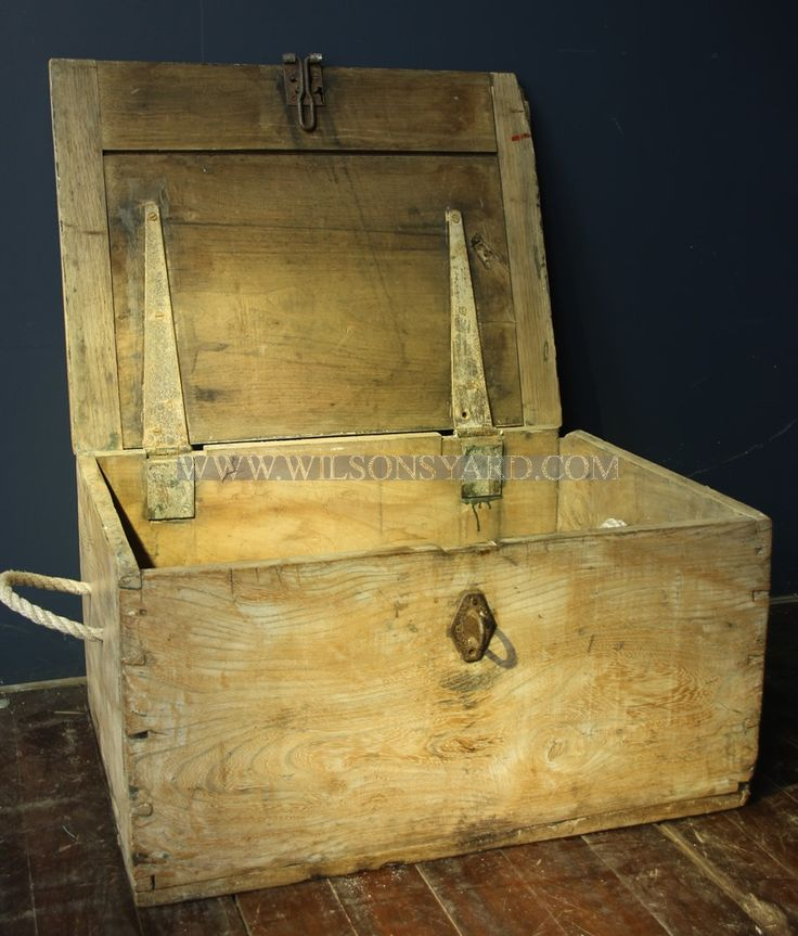 Antique wooden box with oak top | Wilsonsyard.com