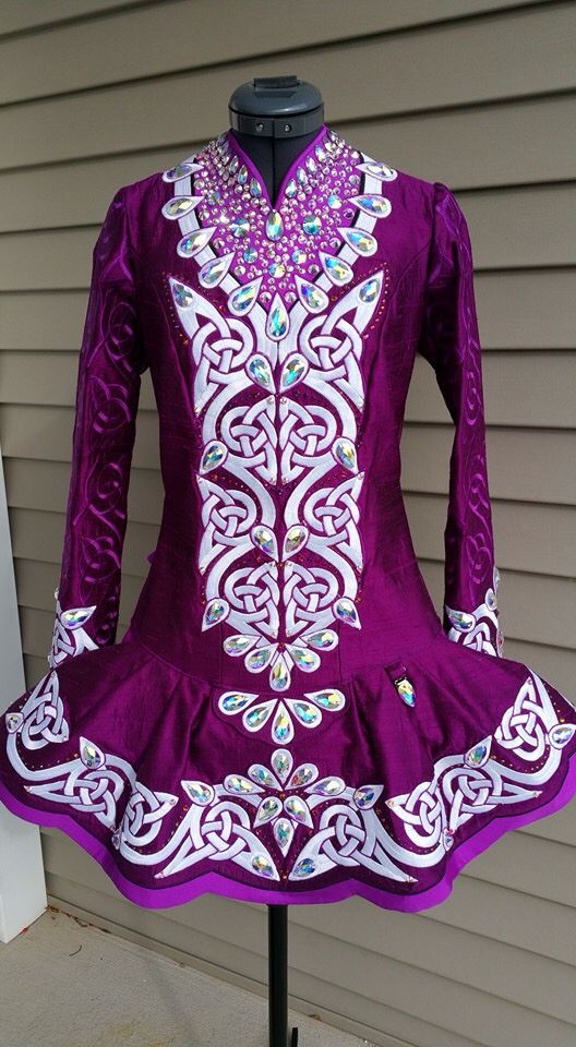 **Colleen O'Neill**Irish Dance Solo Dress Costume** beautiful color and knotwork!