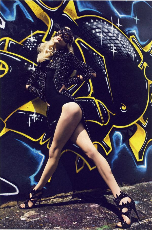 'Graffi-Couture' for Vogue, Raquel Zimmermann photographed by Mario Sorrenti #dark #photography