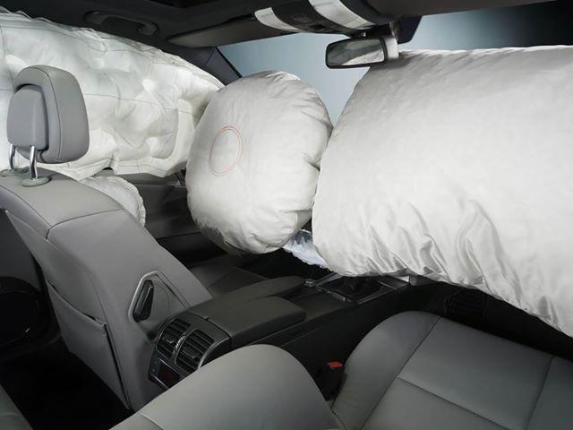 Ştiaţi că…  Airbag-ul are nevoie de doar 40 de milisecunde pentru a se umfla în caz de accident?