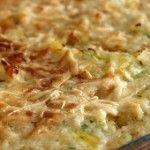 Frango com Alecrim e Batatas - Frango tempero de alecrim e vinho; aromatizado com limão; cozido e assado ao forno com batatas; é dourado com margarina...