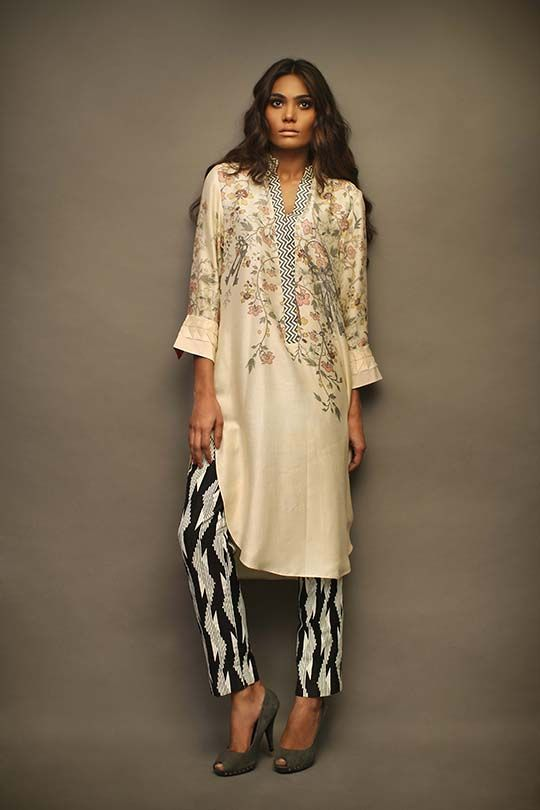 The House of Sania Maskatiya unveils their Bar-e-Sagheer (Subcontinent) collection for Eid, an assortment of crafts, patterns and ornaments that symbolize the subcontinent in its truest sense. The designs themselves have a certain purity about them that is reflective of the essence of the holy month. Delicate self embroidered whites and sheers gently lifted with gaara [...]