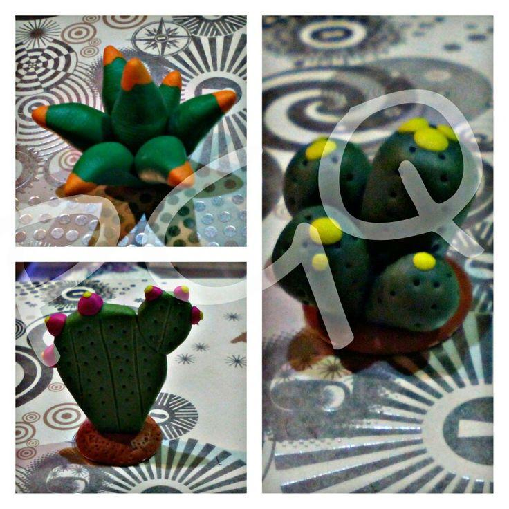 Pequeños cactus  hechos con Fimo.