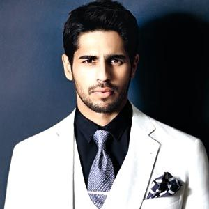 Sidharth Malhotra is undoubtedly the most stylish among the Gen next actors.The young actor seems to adorn both suits and the Indian attire with uttermost ease.