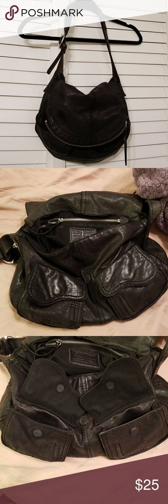 Lucky Brand purse Good and barely used condition. Lucky Brand Bags
