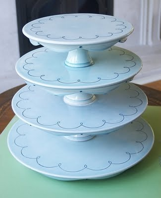 Clara French cake stands