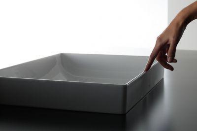 Dünne Keramik-Waschtische für Eleganz.