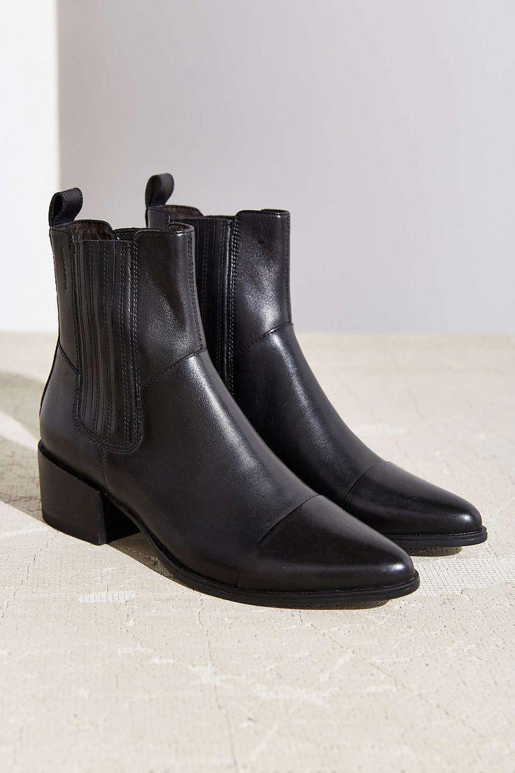 Vagabond Marja Pointy Toe Chelsea Boot