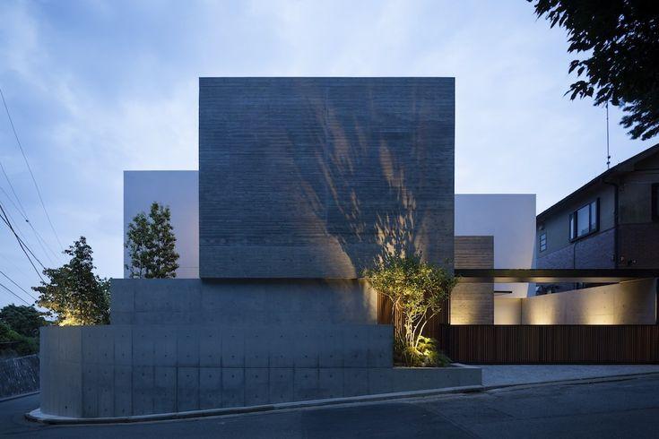 House in Shinoharadai  / Tai and Associates
